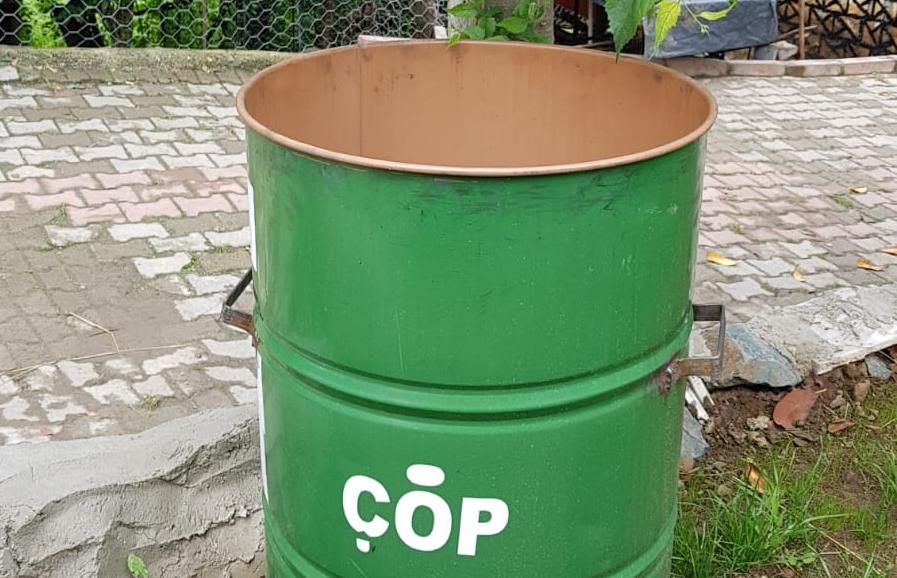 Yukarıköy'de Her Kapıya Çöp Bidonu