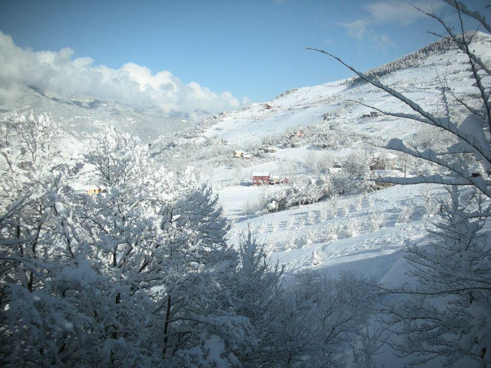 Yayla Yoluna Kar Böyle Yağdı (VİDEO)