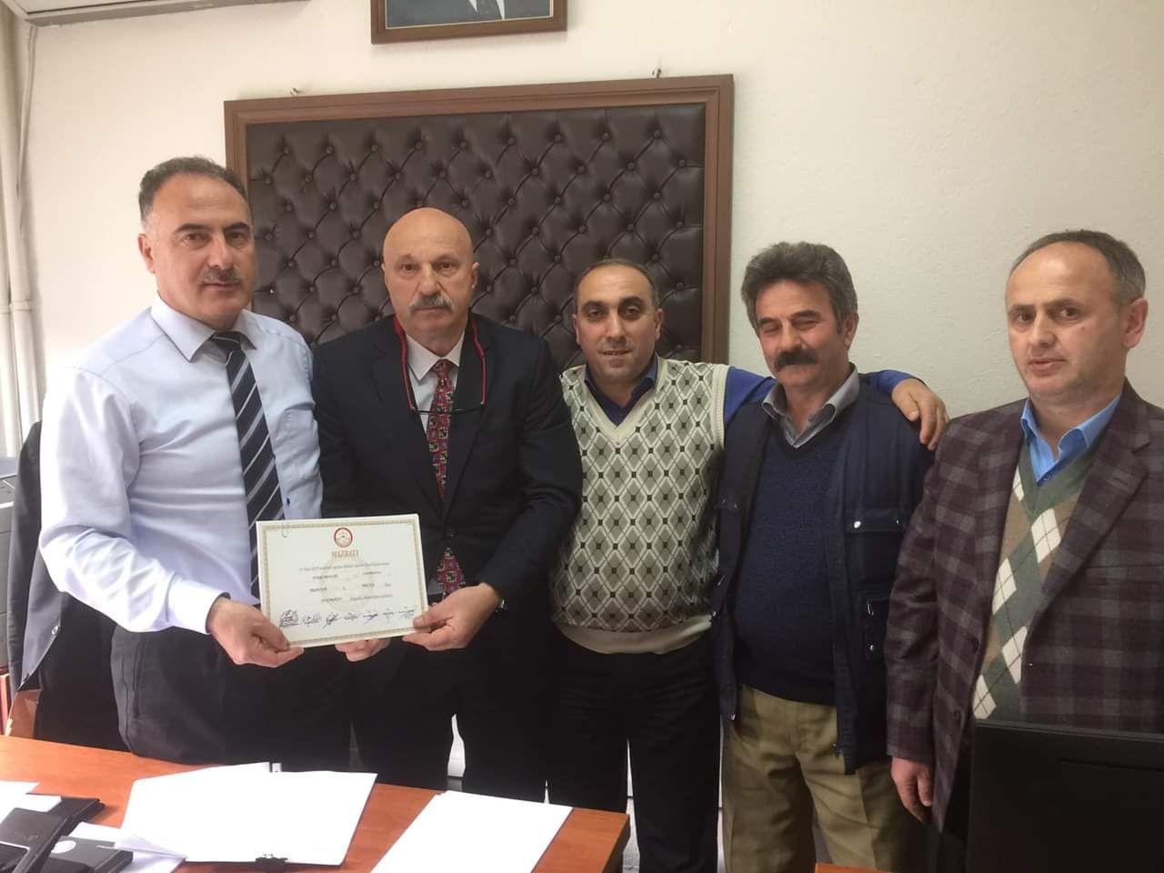 Yukarıköy Muhtarı Fikri BEKTAŞ Mazbatasını Aldı